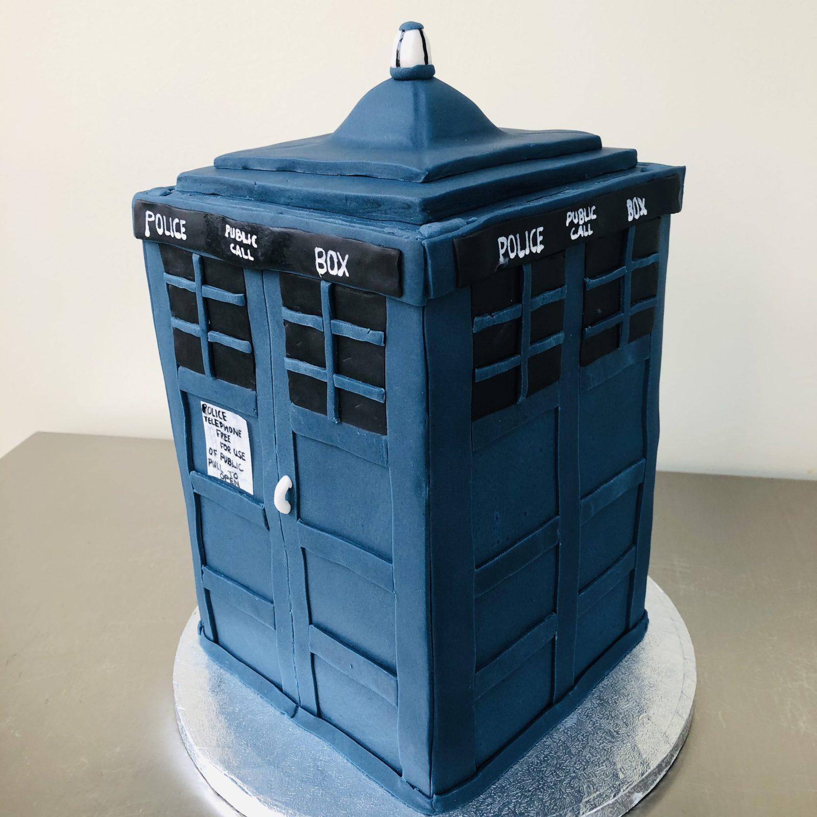 Bespoke Cake Tardis